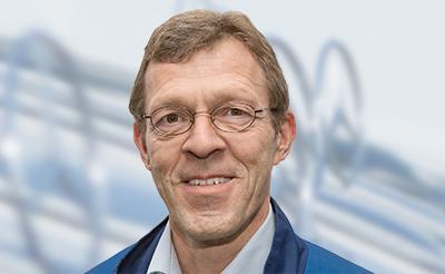 <b>Volker Pott</b> Verkaufsberater Teile & Zubehör Tel.: 040/538009-30 - pic_2_b0a665a28efd91535abb111d656ecd04